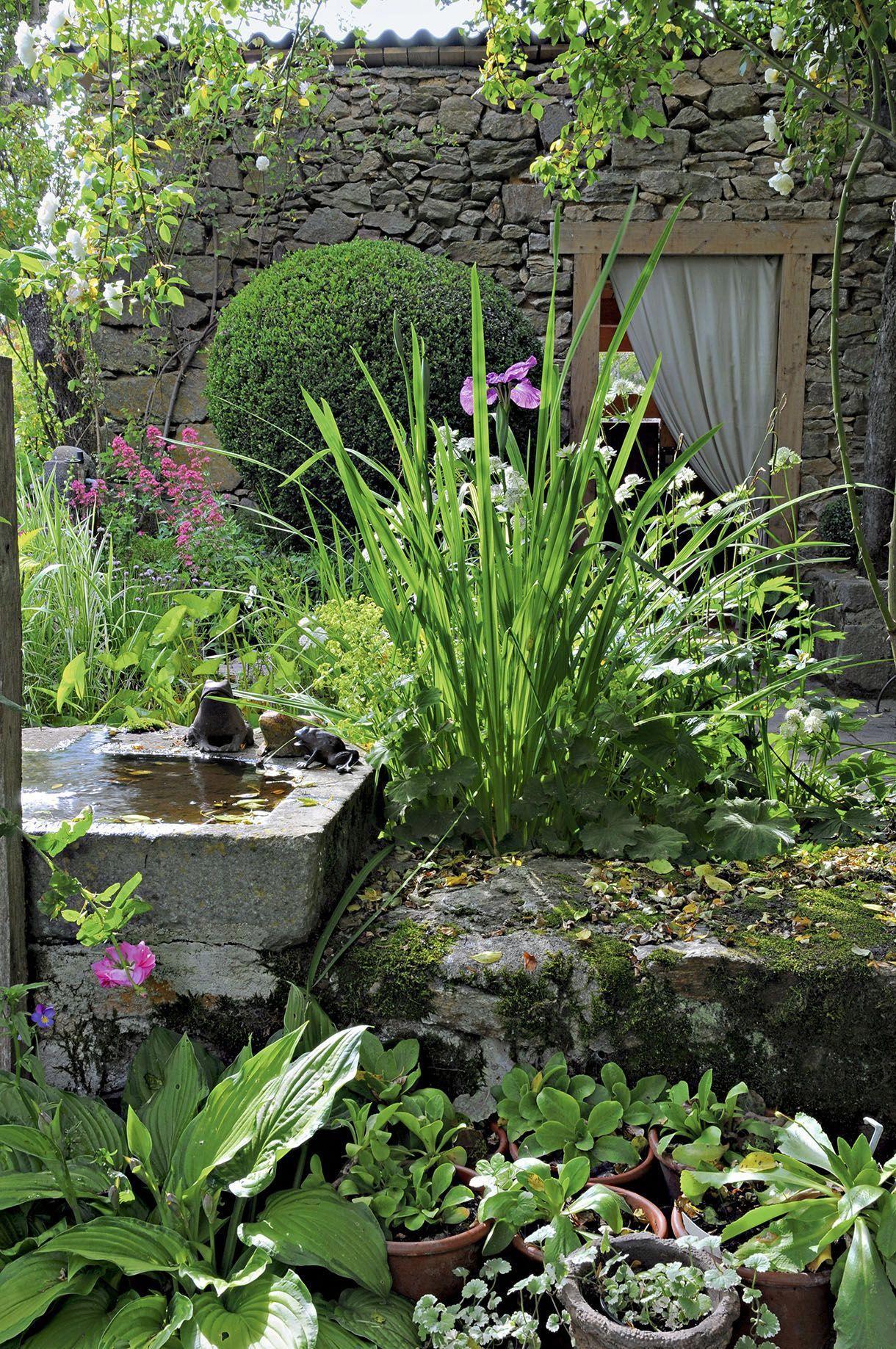 Un Jardin Auvergnat Moderne Et De Caractère   Jardins ... serapportantà Detente Jardin