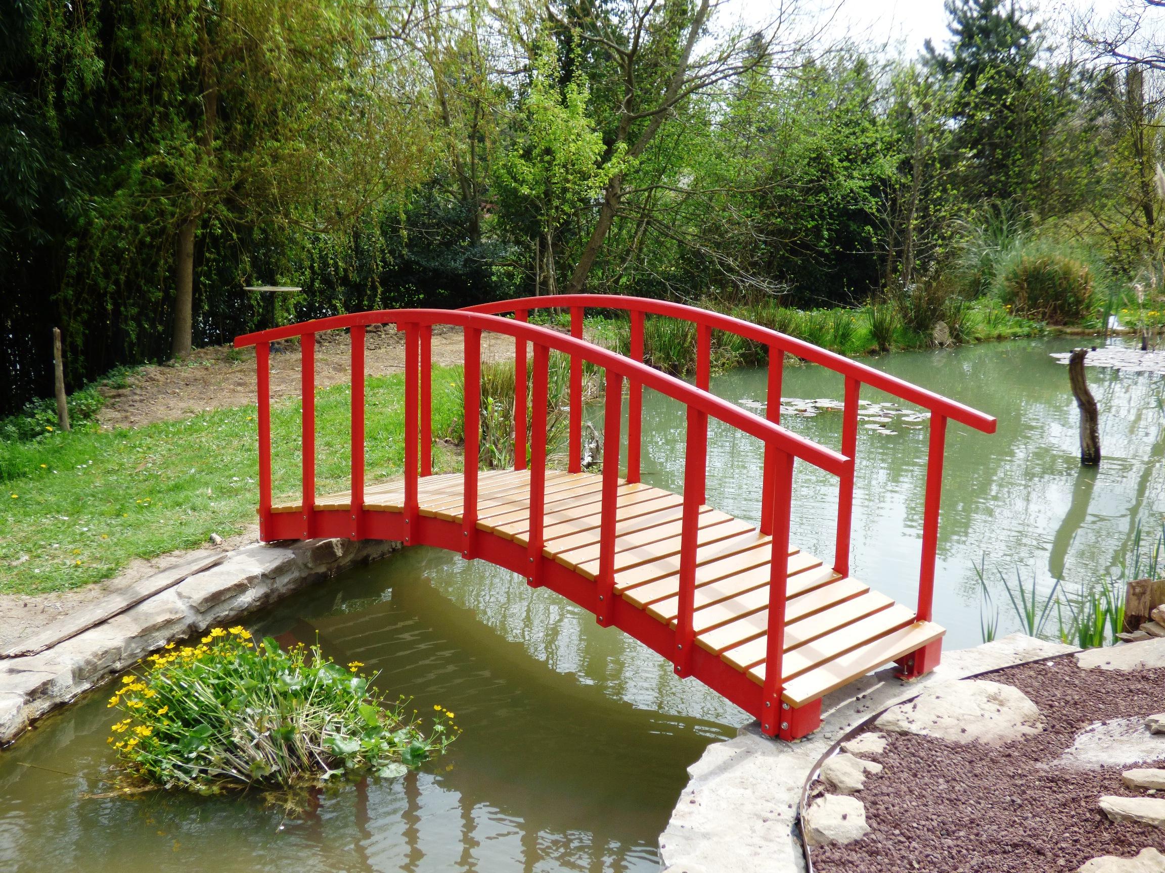 Un Petit Pont Japonais | Bois+ Le Bouvet dedans Pont De Jardin Bois