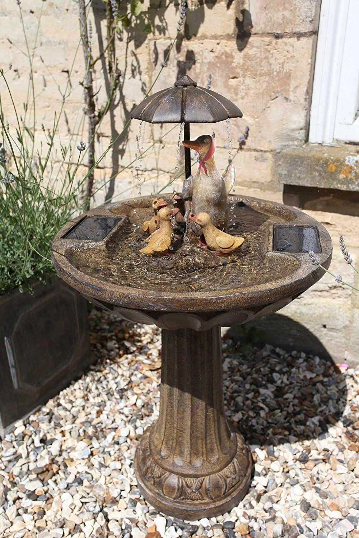 Une Jolie Fontaine Solaire Pour Jardin Zen En Extérieur ... pour Fontaine De Jardin Solaire