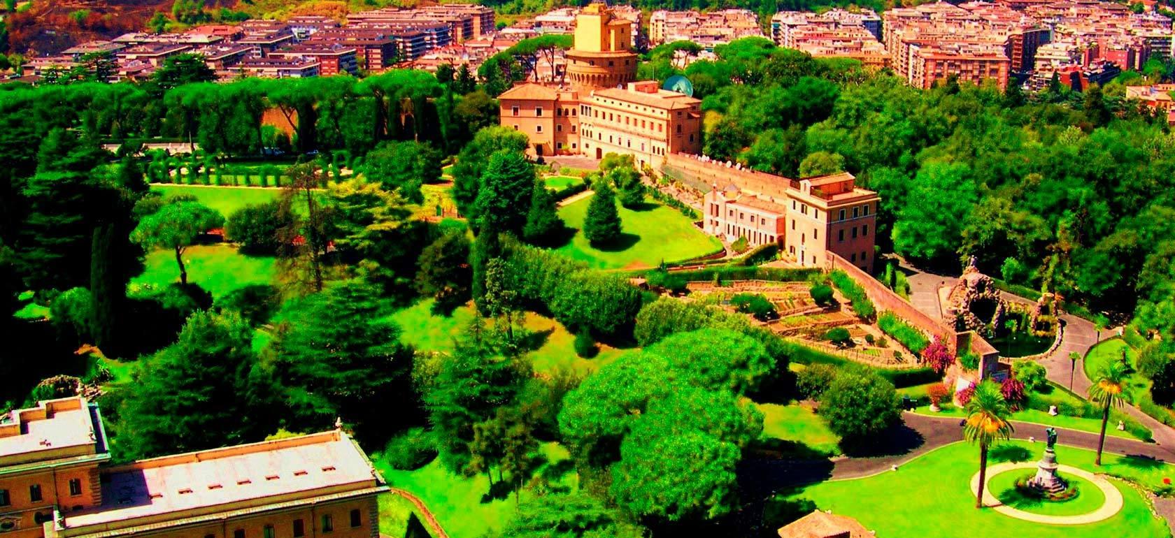 Vatican Gardens In Mini Open Bus dedans Jardin Du Vatican