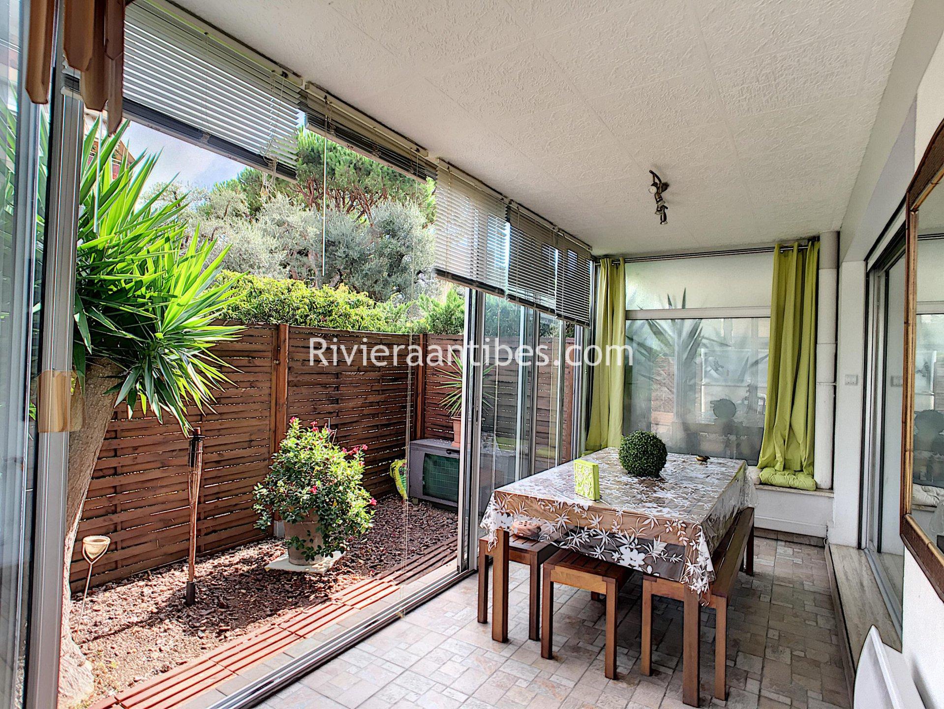 Vente Appartement 2 Pièces Antibes Rez De Jardin Résidence ... concernant Location Rez De Jardin Antibes